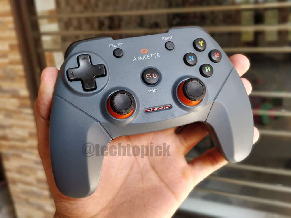 Amkette EVO Elite Wireless GamePad Review with Pros & Cons
