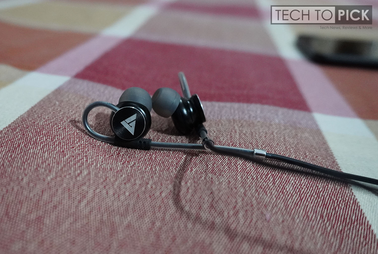 Boult Audio Bassbuds Loop Earphones Review